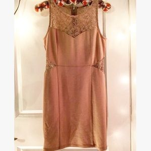 🌈H&M Mustard Sleeveless Midi-Dress with Lace🌈